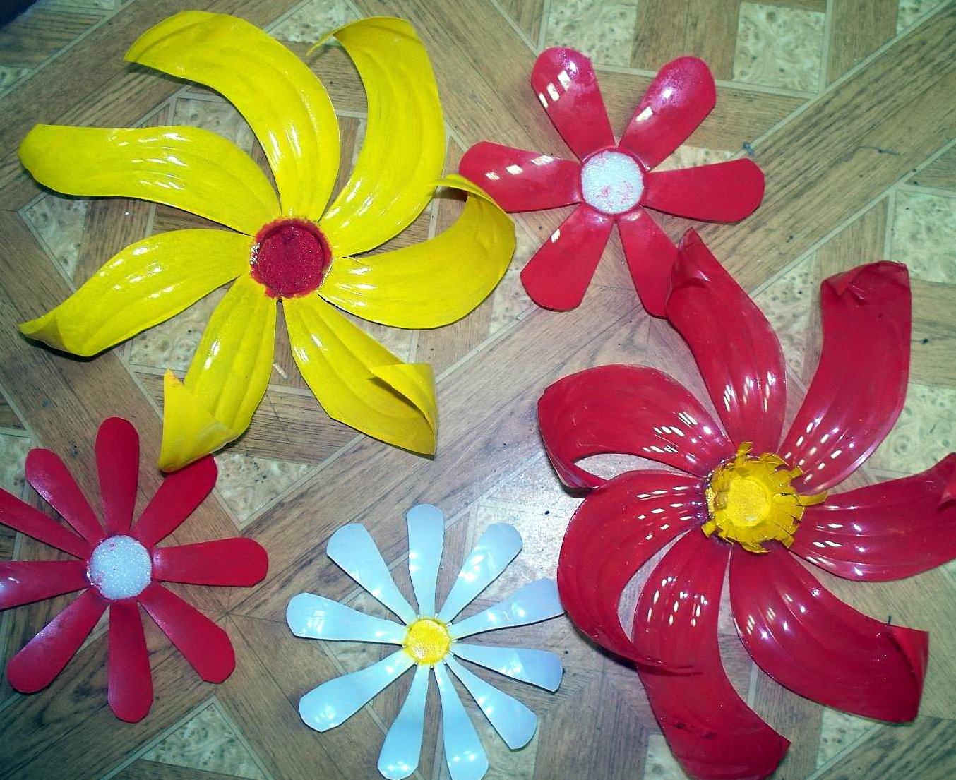 Поделка из пластика цветок 540