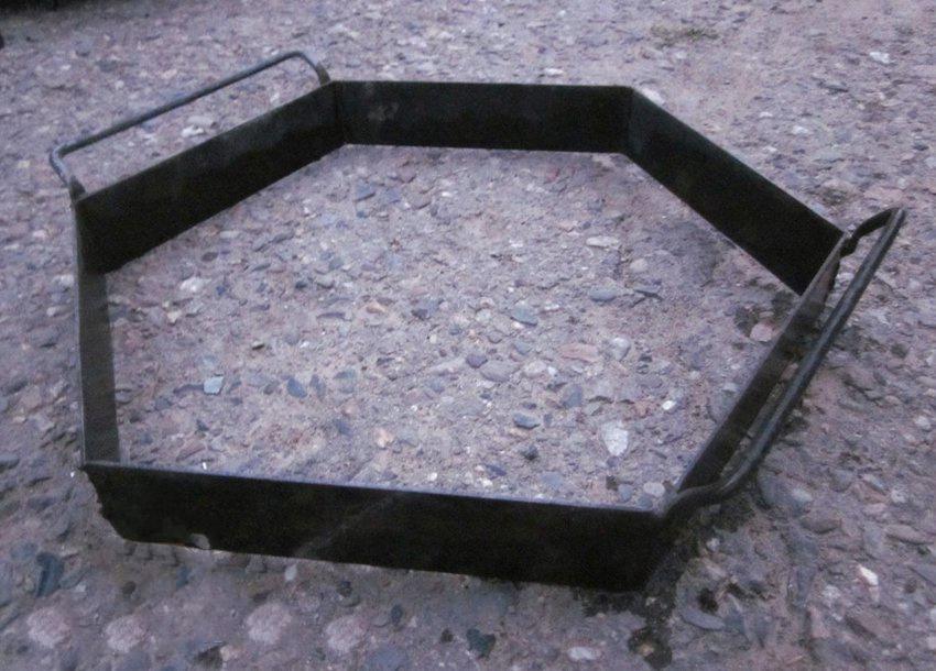 Обустройство: Железная формочка для тротуарной плитки