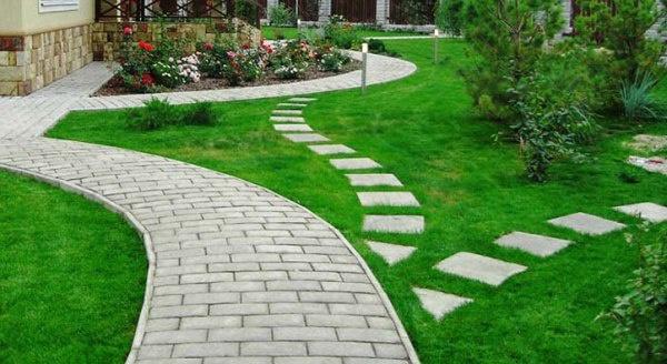 Обустройство: Тротуарная дорожка своими руками в саду