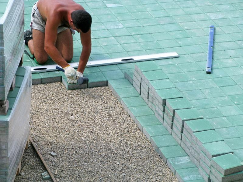 Обустройство: Установка тротуарной плитки своими руками