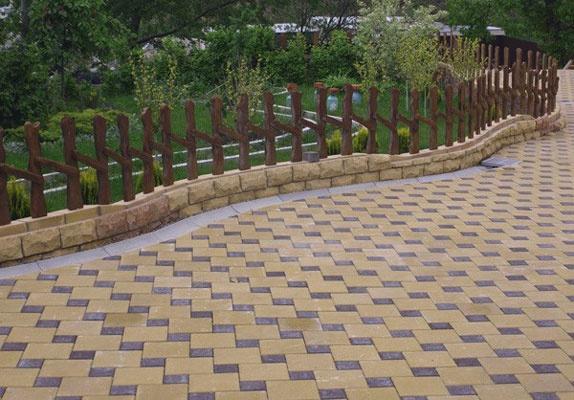 Обустройство: Тротуарная плитка на даче
