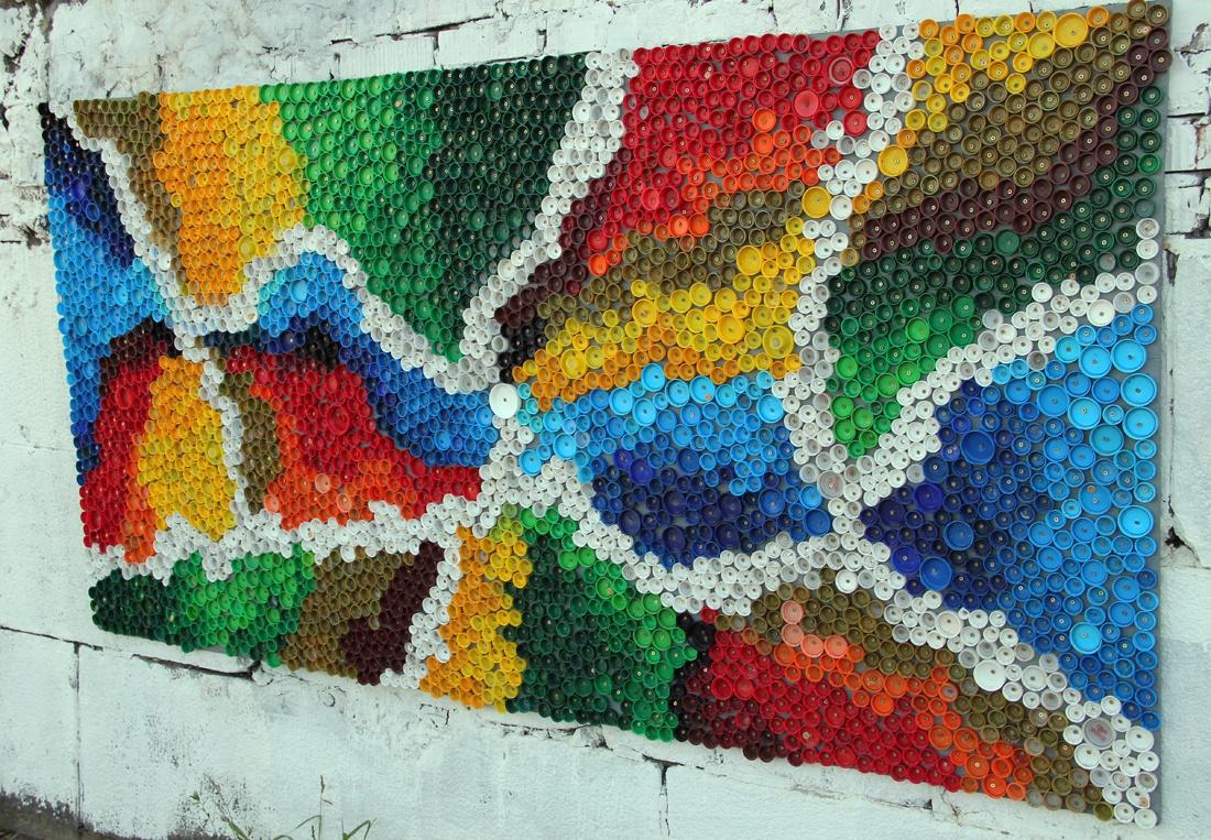 Обустройство: Дачное украшение из крышек пластиковых бутылок