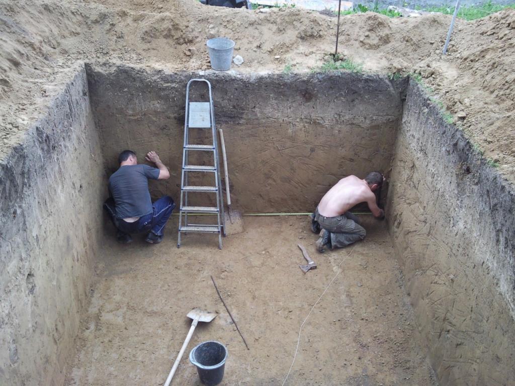 Обустройство: Строим земляной погреб своими руками