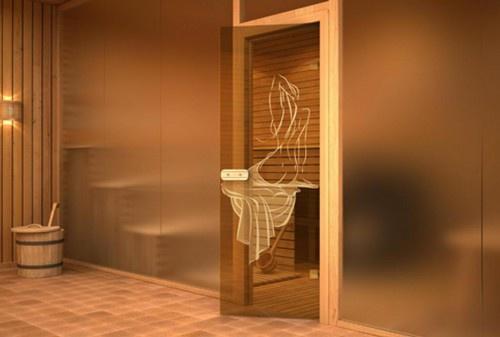 Обустройство: стеклянные двери