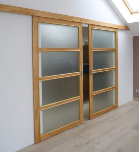 Обустройство: раздвижные стеклянные двери