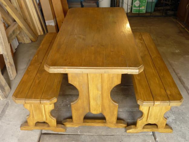 Обустройство: стол для бани