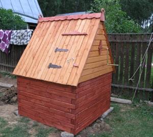 Обустройство: домик для колодца