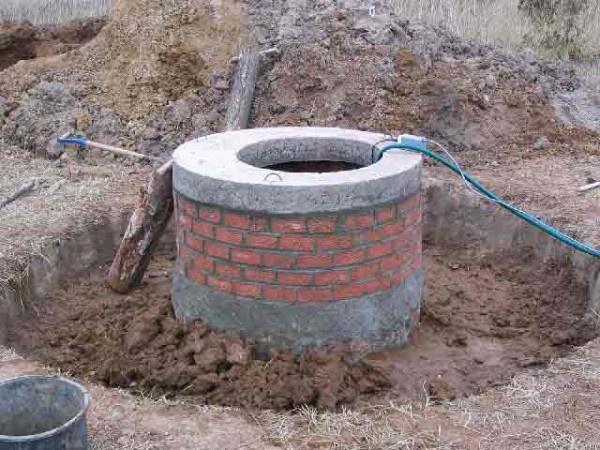 Обустройство: водопровод от колодца