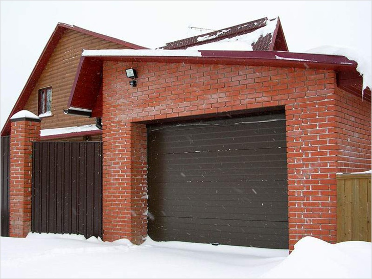 Обустройство: гараж на даче