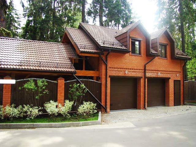 Обустройство: гараж в доме